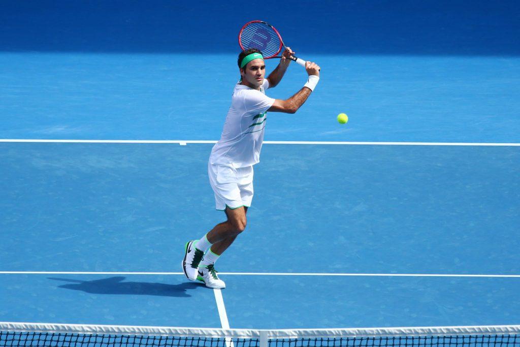 Roger Federer zagrywający woleja