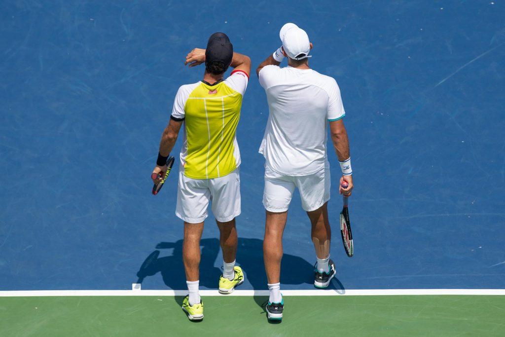 Tenisiści podczas meczu gry podwójnej